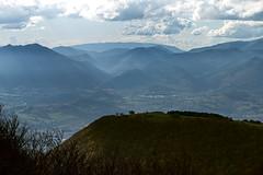 Elcito Landscape #7 (Strocchi) Tags: elcito macerata marche italy italia landscape paesaggio appennino canon eos6d 24105mm cielo sky clouds nuvole