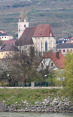 Kirche Mauritius in Spitz Wachau Valley (photo_paddler) Tags: europe austria wachauvalley village day spring color outdoor availablelight