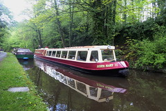 P1410835 (dave_attrill) Tags: barge moored whaleybridge peakforest canal towpath peakdistrict nationalpark derbyshire may 2019 cheshirering waterway