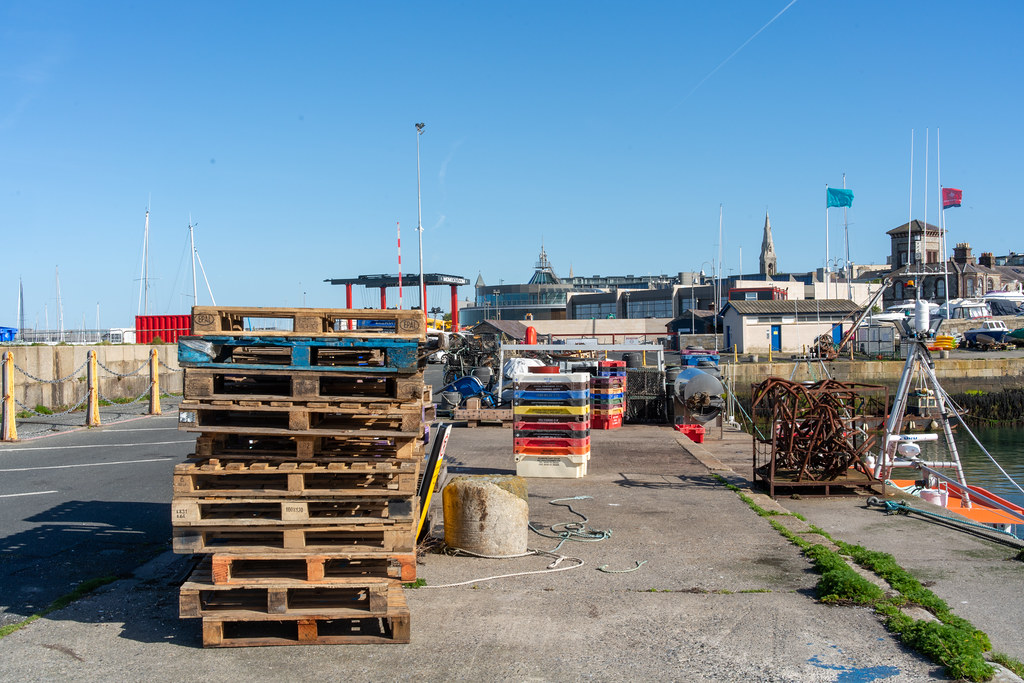 TRADERS' WHARF AREA [WEST PIER DUN LAOGHAIRE HARBOUR]-152231