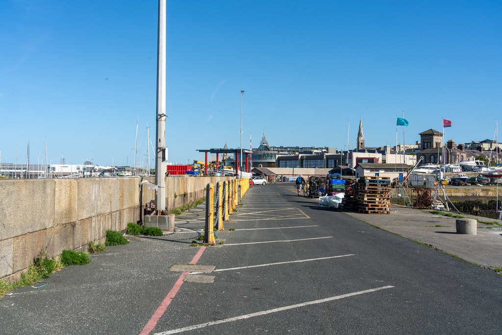 TRADERS' WHARF AREA [WEST PIER DUN LAOGHAIRE HARBOUR]-152242