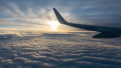 Vol Luxembourg Malte (denis.fleurot) Tags: vacances vol avion fly nuage leverdesoleil sunset aile luxair sky cloud plane