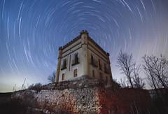 BALNEARIO DE YEMEDA (Aitor Cuadrado) Tags: yemeda longexposure night nocturnas nikon d610 samyamg 14mm circumpolar star strails