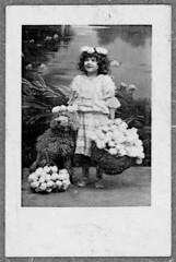 "Girl and dog (Arne Kuilman) Tags: marketing kaartje advertentie klassiek dutch nederlands advertising ""40mmx60mm"" card karton photo foto girl flowers dog"