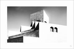 Museum für Islamische Kunst (antonkimpfbeck) Tags: museum für islamische kunst doha qatar architektur art monochrome bw