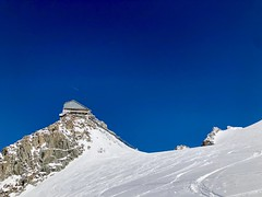 Le gare d'arrivée du téléphérique des Grands Montets sans les câbles (Jauss) Tags: glacier incendie argentière cablecar funivia téléphérique ski grandsmontets chamonix