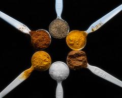 a spoon full of flavor (HMM !) (ralfkai41) Tags: makro aspoonful spoon food macro macromondays gewürze löffel nahrungsmittel spices