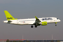 YL-CSH, Airbus A220-300, Air Baltic (Freek Blokzijl) Tags: ylcsh airbus airbusa220 bombardier narrowbody airbaltic arrival aankomst landing approach nadering earlymorning aalsmeerbaan rwy36r luchthaven amsterdamairport schiphol eham ams planespotting vliegtuigspotten canon eos7d 70200l28isusm april2019 voorjaar springtime