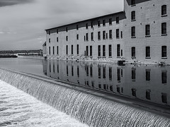 La Chaudière Spillway   ... (c)rebfoto (rebfoto..away on assignment..) Tags: rebfoto spillway overflow monochrome river riveroverflow