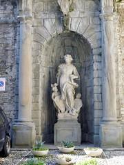 Palazzo Terzi - Statue of Architecture by Giovanni Antonio Sanz - Bergamo (litlesam1) Tags: statues italy2019 duepazziragazziamilano2019 march2019 bergamo