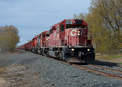 CP 5878- Heading back to town (Khang Lu) Tags: cp canadian pacific railroad emd gmd sd402 5878 dresser turn ballast wi wisconsin quarry 3gps04 trio
