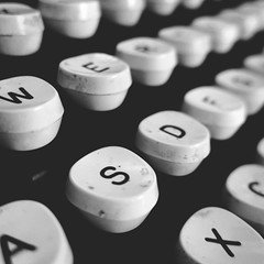 day 125 (Randomographer) Tags: project365 typewriter qwerty keys letters numbers metal collectable vintage classic type writer mechanical machine characters keyboard ink impression tool typebar black white bw monotone 125 365 2019