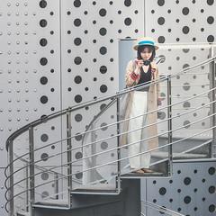 Composition with fashionable women (sapphire_rouge) Tags: 東京 江東区 東京都現代美術館 コンテンポラリーアート カフェ tokyo kotoku 美術館 museumofcontemporaryarttokyo 志賀高原ビール girl lady art woman beauty fashionable museum stylish hat