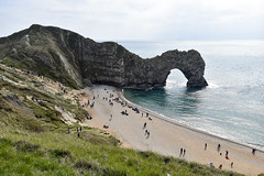 Durdle Door Beach (James Mans) Tags: nikon d5500 1020mm 1020mmafp beach durdle door sky ocean sea cliff dorset england coast blue green grass sand pebbles