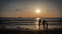 Sunset at Weston (Brian Negus) Tags: westonsupermare shadow bristolchannel silhouette sunset cloud people island sea family sand beach seaside sun sunrays