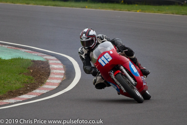 CRMC Castle Combe 2019 - Race 10 Classic 350 Twins, European and over 55