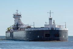 Duluth Trip - April 2019 - Duluth Trip - ATB Clyde S. Van Enkevort/Erie Trader arrives at Duluth. (pmarkham) Tags: tug barge ship lakeshipping atb duluth mn usa lakesuperior
