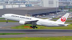 Boeing 777-246, JA772J, Japan Airlines (tkosada.mac) Tags: japanairlines oneworld boeing b772 tokyointernationalairport hanedaairport hnd rjtt