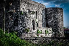 _DSC0072 (JohnnyGiuliano) Tags: castle ancient outdoor aragon aragona aragonese middleages ruins