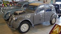 Conservatoire Citroën - Aulnay-sous-Bois (Mic V.) Tags: vintage collection classic conservatoire citroën citroen musée musee museum french car voiture aulnaysousbois 1961 2cv 4x4 sahara 4wd