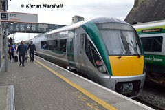 22033 departs Portlaoise, 1/5/19 (hurricanemk1c) Tags: railways railway train trains irish rail irishrail iarnród éireann iarnródéireann portlaoise 2019 22000 rotem icr rok 5pce premierclass 22033 1725heustonlimerick
