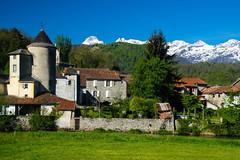 Oust (Ariège) (PierreG_09) Tags: ariège pyrénées pirineos couserans occitanie midipyrénées oust garbet glycine tour montvalier