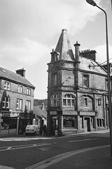 Flatron with Vinegar (bigalid) Tags: film 35mm vivitar mega 200 ilford xp2 c41 bw april 2019 scotland lockerbie chipshop