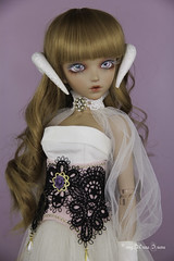 White snake horns MSD (AnnaZu) Tags: white snake horns msd annazu annaku vesnushkahandmade commission poymer clay sculpting magnetic doll bjd abjd balljointed fairyland minifee fairyline alicia
