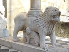 Santa Maria Maggiore Basilica, South entrance or White Lions - Bergamo 4 (litlesam1) Tags: statues italy2019 duepazziragazziamilano2019 march2019 bergamo
