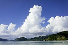 004_西表島 (VesperTokyo) Tags: 西表島 いりおもてじま 沖縄県 八重山郡竹富町 八重山列島 日本 空 雲 島 iriomoteisland okinawa japan cloud sky 海 sea