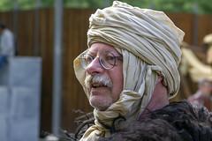 Enturbanné (Xtian du Gard) Tags: xtiandugard portrait homme turban nîmes déguisement 2019 jeuxromains