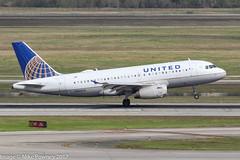 N833UA - 2000 build Airbus A319-131, arriving on Runway 08R at Houston (egcc) Tags: 4033 1401 a319 a319131 airbus bush houston iah intercontinental kiah lightroom n833ua staralliance texas ua ual united unitedairlines
