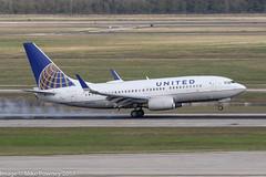 N15751 - 1999 build Boeing B737-71Q, arriving on Runway 08R at Houston (egcc) Tags: 0751 235 29047 b737 b737700 b73771q b737ng boeing bush hp1369cmp houston iah intercontinental kiah lightroom n15751 n8251r staralliance texas ua ual united unitedairlines