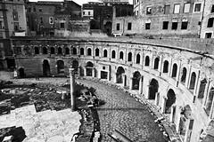 mercati (paulopar.rodrigues) Tags: local cidade city exterior italia museum museu roma urban photofoto bw captureone fuji xt1