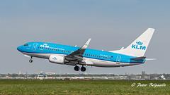 PH-BGG  Boeing 737-700 - KLM Royal Dutch Airlines (Peter Beljaards) Tags: msn30367 cfm567 koningseider kingeider nikon7003000mmf4556 ams eham airplane aircraft schiphol haarlemmermeer nikond5500 departure takeoff phbgg boeing737700 737 boeing737 b737 klm flyingdutchman