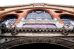 Budapest Central Market (mireiatarres) Tags: market mercado city ciudad building edificio detalles budapest europa