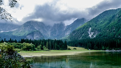 Lago di Fusine (mireiatarres) Tags: lago mountains lake wood forest bosque verde nubes tormenta agua water green frio cold montañas invierno landscape paisaje nature naturaleza
