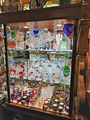 Puesto de cristal en la plaza del mercado de Cracovia (Carlos M. M.) Tags: polonia cracovia krakow poland pocophone glass hdr