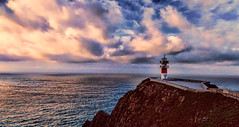 El faro del cabo de Ortegal - Explore (Miradortigre) Tags: faro lighthouse farol peñon mar oceano sea ocean landscape paisaje paisagem galicia españa spain explore