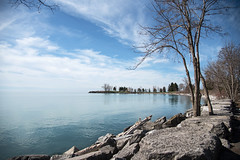 Around the Bend D7C_9398 (iloleo) Tags: toronto scarboroughbluffs blufferspark lakeontario spring nikon d750 nature landscape clouds scenic