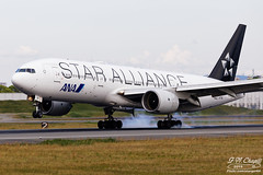 All Nippon Airways [NH][ANA] / JA711A / 777-281 / RJOO / Star Alliance (starger64) Tags: canoneos5dmarkiv ef1004004556lisii rjoo itm osakainternationalairport itamiairport 大阪国際空港 大阪國際機場 allnipponairways ana 全日空 全日本空輸 ja711a boeing777281 boeing 777 772 777200 aircraft airplane aviation arlines nh33