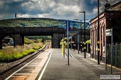 Abergele&PensarnRailStation2019.05.11-8 (Robert Mann MA Photography) Tags: abergelepensarnrailstation conwy northwales train trains railway railways station stations 2019 summer 11thmay2019 transportforwales tfwrail class175 coradia class158 supersprinter class150 sprinter