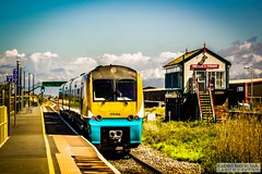Abergele&PensarnRailStation2019.05.11-3 (Robert Mann MA Photography) Tags: abergelepensarnrailstation conwy northwales train trains railway railways station stations 2019 summer 11thmay2019 transportforwales tfwrail class175 coradia class158 supersprinter class150 sprinter