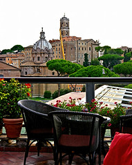 photo - View from The American Bar, Hotel Forum Rome (Jassy-50) Tags: photo rome italy hotelforum hotel theamericanbar americanbar bar hotelbar openair alfresco rooftopbar capitolinehill santilucaemartinachurch palazzosenatorio flyertalk