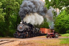 Trains and Tractors (H-bob-omb) Tags: texas state railroad tsr 282 steam locomotive 30 train palestine dean wright tractor