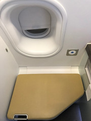 Toilettes / changing rool (Travel Guys) Tags: lufthansa firstclass premièreclasse avgeek frequentflyer travel luxurytravel staralliance