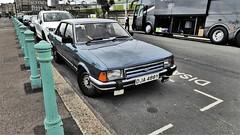 1983 Ford Granada Ghia 2.8 X. (ManOfYorkshire) Tags: dja488y granada ghia 28 28x car auto motoring survivor brighton marineparadae seafront seaside sussex blue metallic 2792cc petrol engine power luxury marineparade bollards