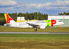 CS-TNR (Skidmarks_1) Tags: cstnr airbusa320 tap engm osl oslogardermoenairport norway aviation aircraft airport airliners