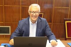 Javier Arenas Bocanegra, senador del Partido Popular designado por el Parlamento de Andalucia, entrega su credencial en el Senado