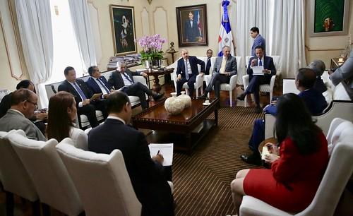 Presidente Danilo Medina da seguimiento avances construcción de escuelas, liceos y estancias infantiles